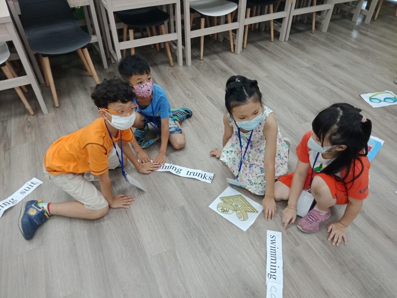 兒童班-安排學員進行英語造句練習